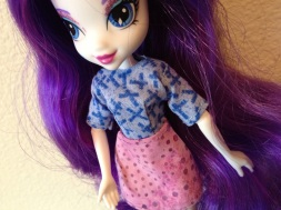 Another angle shot of Rarity in her first blouse/skirt.