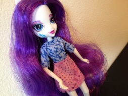 Angle shot of Rarity in her first blouse/skirt.